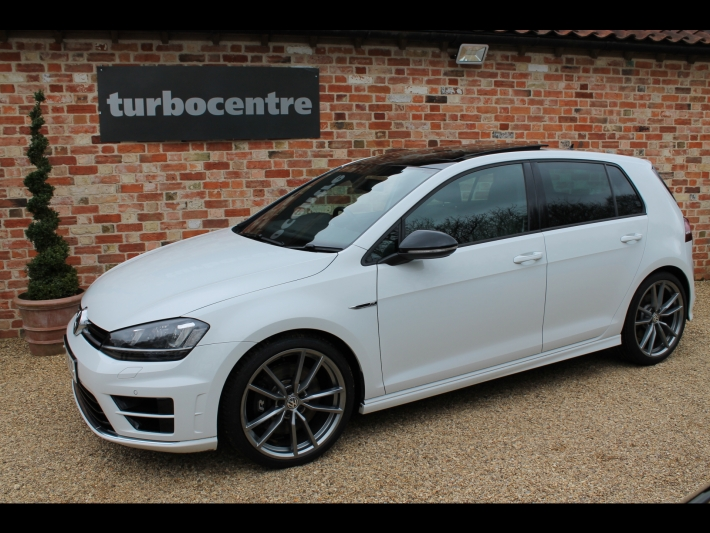 volkswagen golf r 2 0 4 motion automatic dsg 5 door panoramic roof sat nav privacy glass. Black Bedroom Furniture Sets. Home Design Ideas